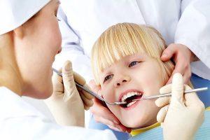 лечение зубов у малыша