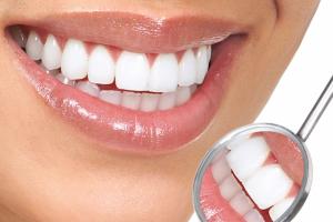 Протезирование зубов из металлокерамики Картинка 1